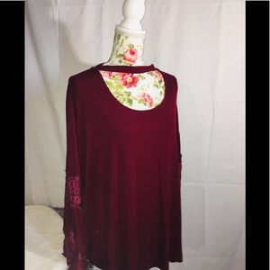 Catherine's Keyhole Bell/Lace Sleeve Top Sz 26/28